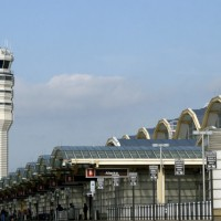 Reagan National Airport control tower. (Photo by dbking via Wikimedia Commons, CC BY)