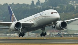 United's first Boeing 787-8 Dreamliner (N20904) takes off from Boeing Field enroute to Houston. (Photo by Dan King/NYCAviation)