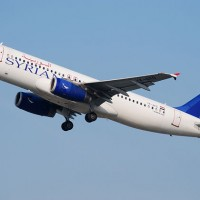 A Syrian Arab Airlines Airbus A320 (YK-AKD) takes off from Vienna in 2009. (Photo by Trainier via Wikipedia)