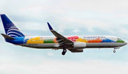 Copa&#039;s new Biomuseo Boeing 737-800 (HP-1825CMP) on final for JFK. (Photo by Jason Rabinowitz)