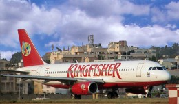 A Kingfisher Airlines Airbus A320 (VT-KEG) taxis at Bangalore. (Photo by marirs via wikipedia, CC-BY-SA)