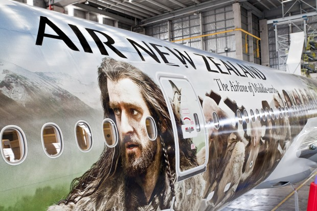 Air new zealand unveils 39 the hobbit 39 boeing 777nycaviation for Airplane exterior design