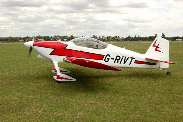 An RV-6 similar to the accident aircraft. (Photo by Geoff Collins via Flickr, CC-BY-NC-SA)