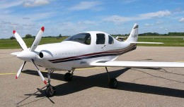 A Lancair IV-P kit plane similar to the accident aircraft. (Photo by Ahunt via wikimedia)