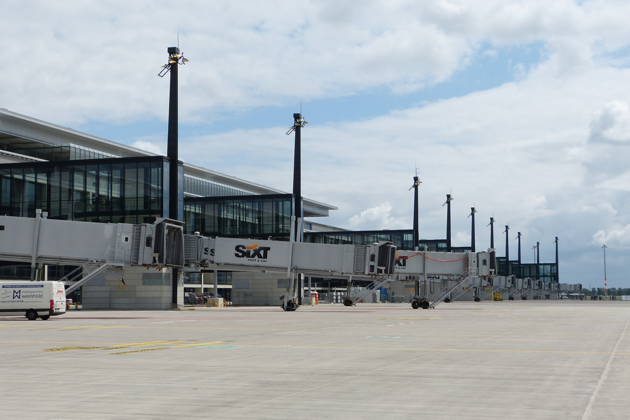 New Berlin Airport Faces More Delays Won T Open Before