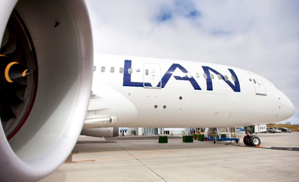 A LAN Airlines Boeing 787 Dreamliner. (Photo by Dan King/NYCAviation)