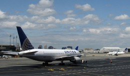 United ops at Newark Airport. (Photo by InSapphoWeTrust via Flickr, CC-BY-SA)