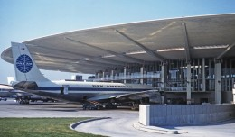 JFK&#039;s Pan Am Worldport in 1961.  (Photo by Jon Proctor via Wikipedia Commons)