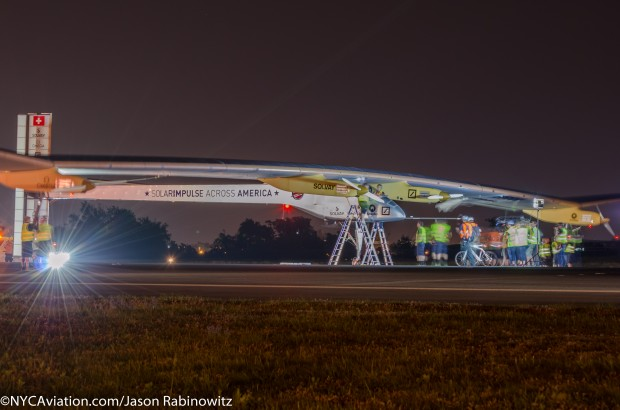 Solar Impulse comes to a stop on runway 22L