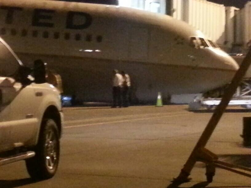 Pictures Nose Gear Of United Boeing 767 300 Collapsed At