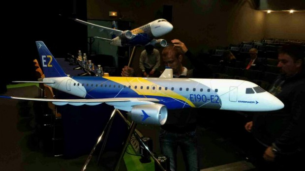 Embraer E2 Model at the 2013 Paris Air Sow (Photo: Jason Rabinowitz / Airchive.com)
