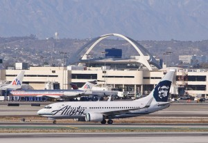 An Alaska Airlines 737 taxiing at LAX. Photo courtesy Flickr Creative Commons user InSapphoWeTrust