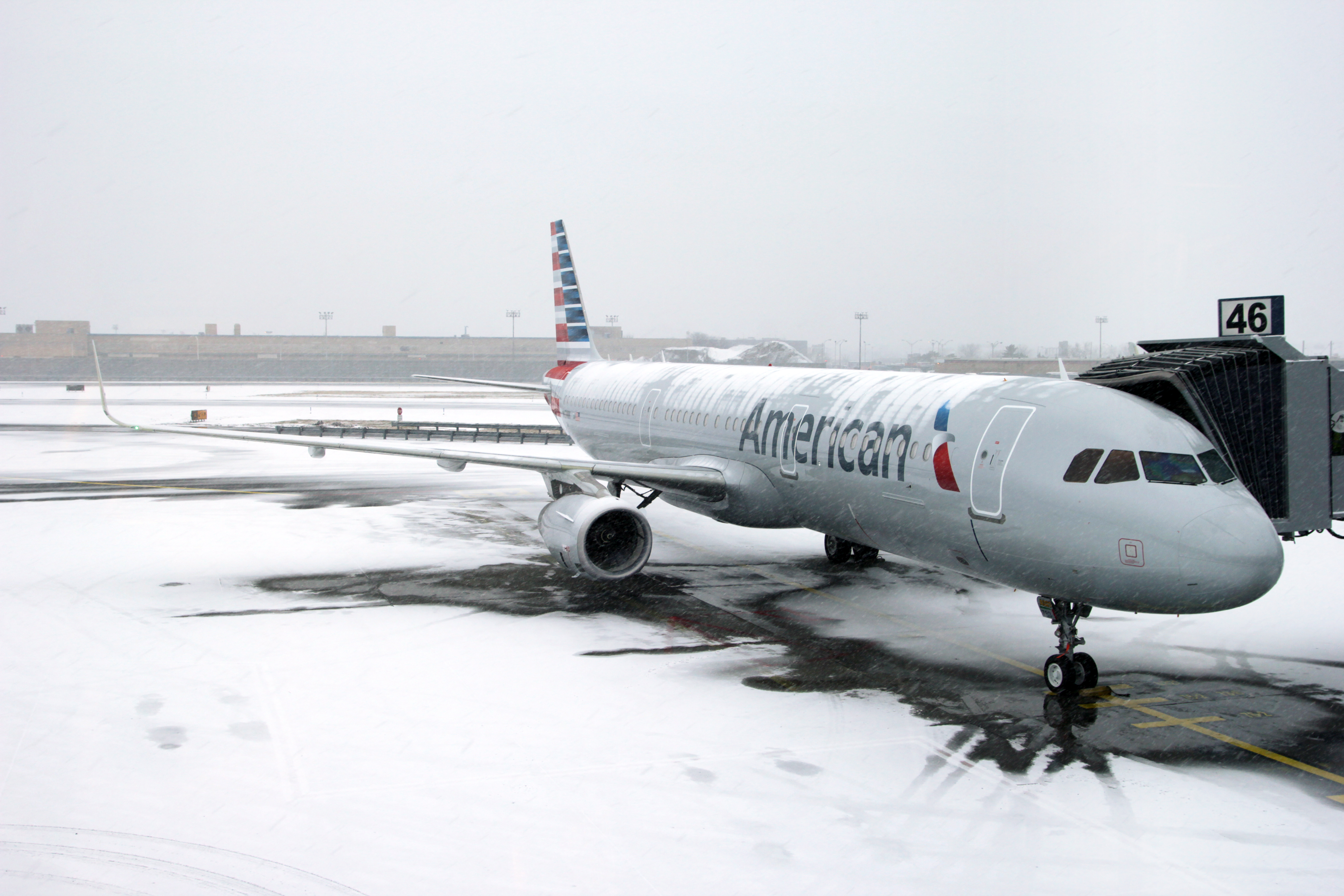 american airlines inc and us airways American airlines plans manager layoffs, buyouts to slim down 5 years after us airways merger american airlines is planning to cut jobs and offer buyouts to reduce its headcount the cuts come about five years after its merger with us airways.