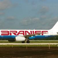 Braniff_Airbus_A320_Maiwald