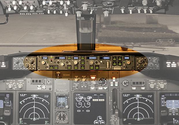 The autopilot control panel of a Boeing 737 (color highlight)