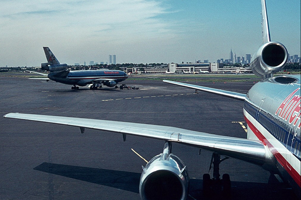 Scenes like this were commonplace at LGA in the 1970s, 80s and 90s. (Photo by Art Brett)