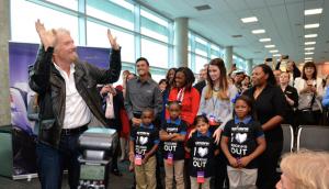 Sir Richard Branson greets passengers and invited guests during Virgin America's DAL inaugural ceremonies. (Virgin America)