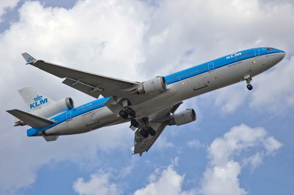 A KLM MD-11 coming in for a landing at Montreal (Photo: Doug | Flickr CC)