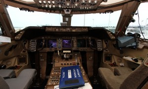 Flight-deck-N661US