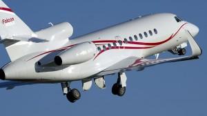 A Dassault Falcon 900LX on departure.