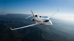 A Dassault Falcon 7X in flight.