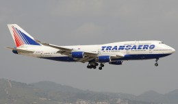 A Transaero 747-400 arrives into BCN during a summer day. On any given Saturday there can be up to 10 Transaero flights a day to the Mediterranean city from various cities in Russia. (Photo by the author)