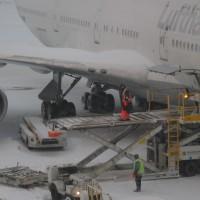 USA_Boston_airport_loading_MA