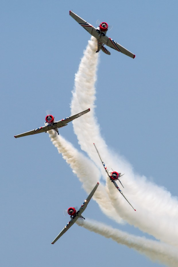 The GEICO Skytypers break formation in their SNJs.
