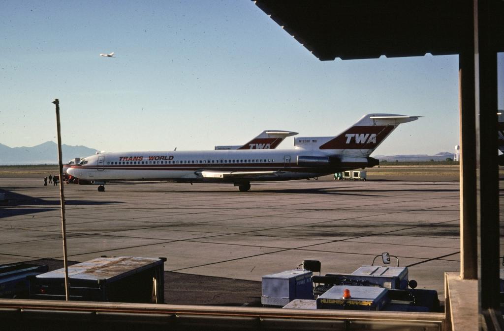 b-727-231-trans-world-airlines-n12301-tuscon-102080-wja