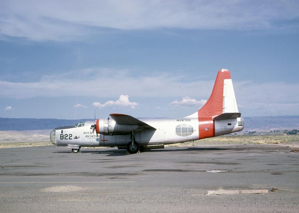 b-24-pb4y-2-n2870g-aerial-firefighter-wo-co-july-1980-graybull-wy-091168-b-wja