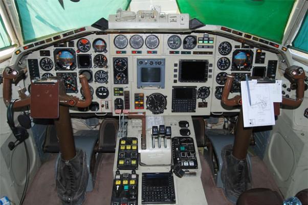Cockpit of Polish Air Force Tu-154M 101. Photo by Gordon Gebert Jr.