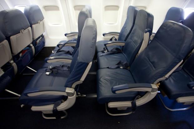 Economy Row Vs Coach On Delta 737 800 Photo By Jeremy Dwyer
